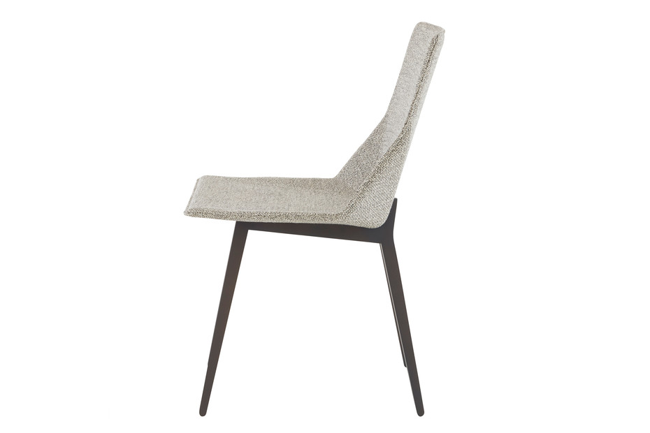 ELSA chair with wooden legs