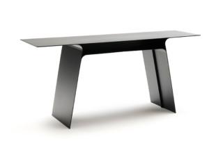 Inari table  by  Living Divani