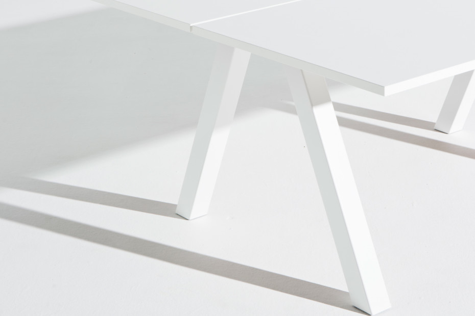 Frankie bench desk A-leg