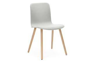 Sola Stuhl mit Holzbeinen  von  Martela