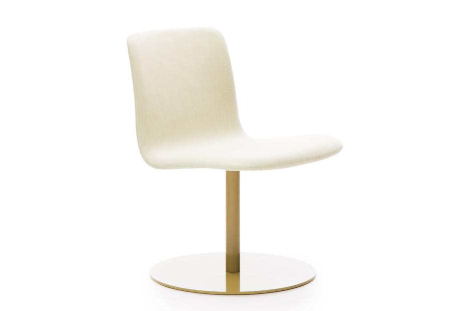 Sola Lounge Chair mit Fußplatte