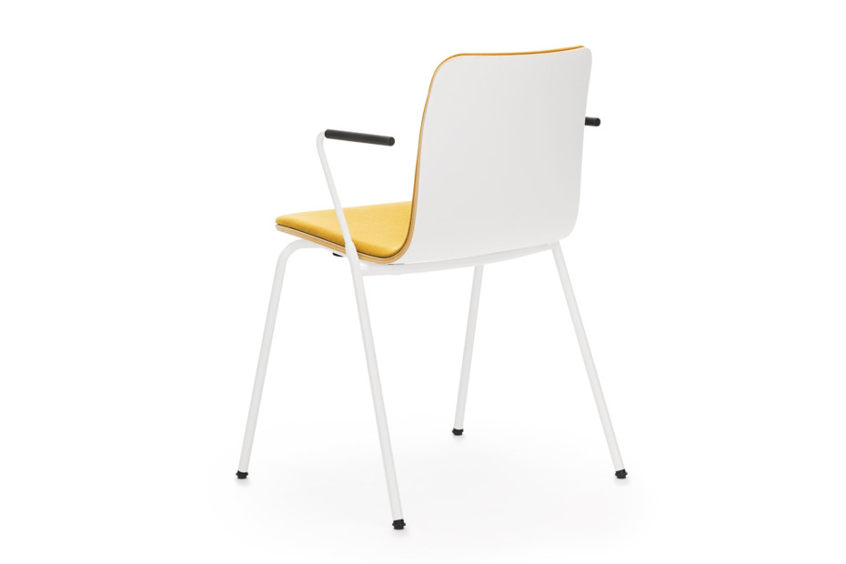 Sola with armrests