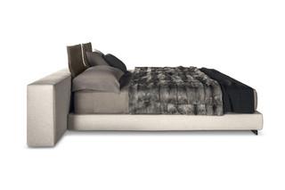 Yang bed  by  Minotti