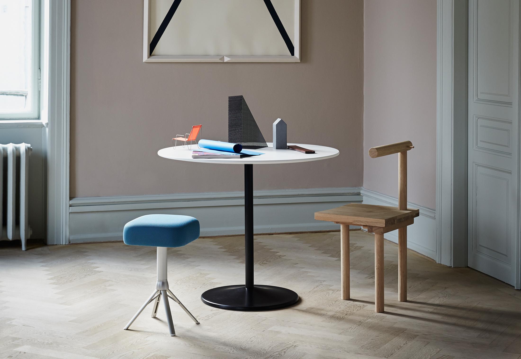panton table von montana stylepark. Black Bedroom Furniture Sets. Home Design Ideas