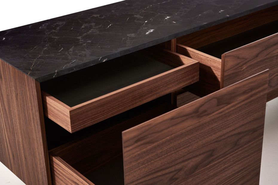 MOUNT sideboard