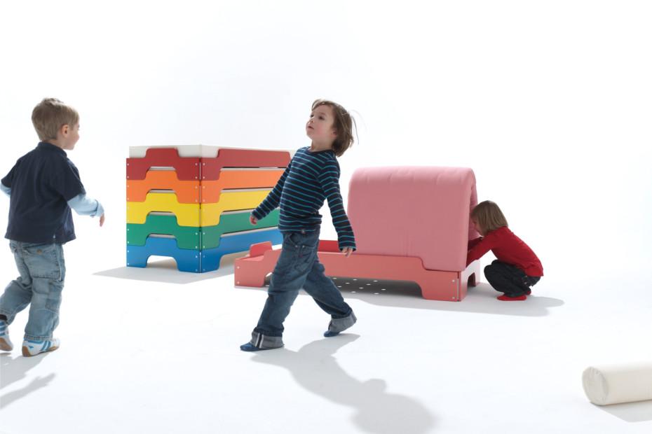 Children stacking bed