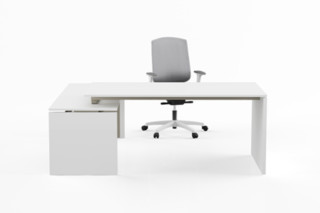 Gate single desks  by  Nurus