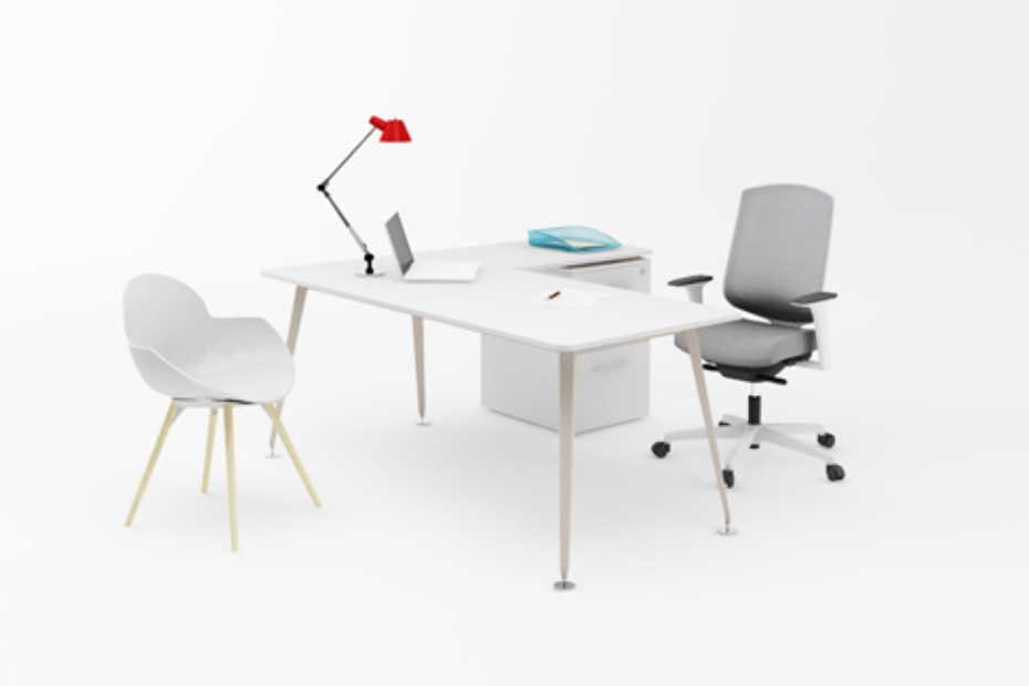 Lunar single desks