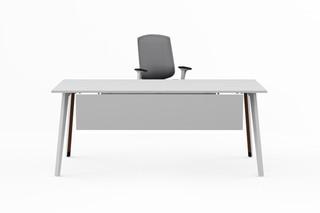 Pila single desk  by  Nurus