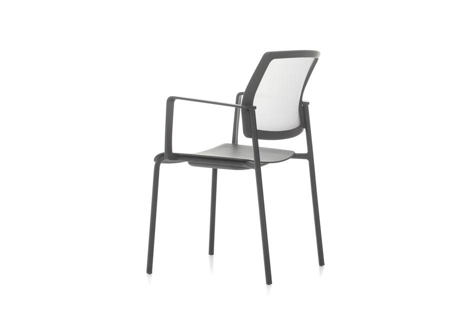 Trea Stuhl ungepolstert mit Armlehnen