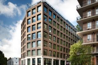 博柏利伦敦(Burberry London),彼得森·泰格尔(Petersen Tegl)设计