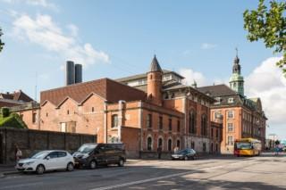 Fernkältezentrale Kopenhagen  von  Petersen Tegl