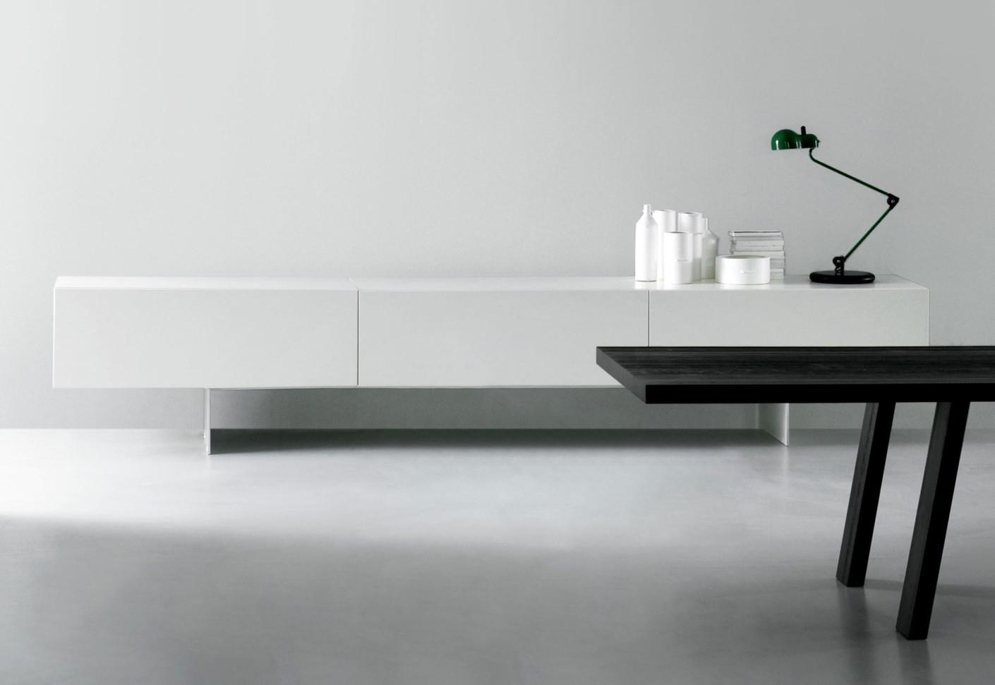 Modern Lowboard Schiebetüren von Porro | STYLEPARK