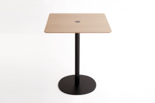 Nucelo table square  by  Punt