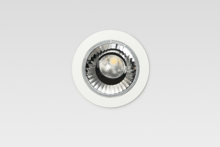 Re Low LED PE32
