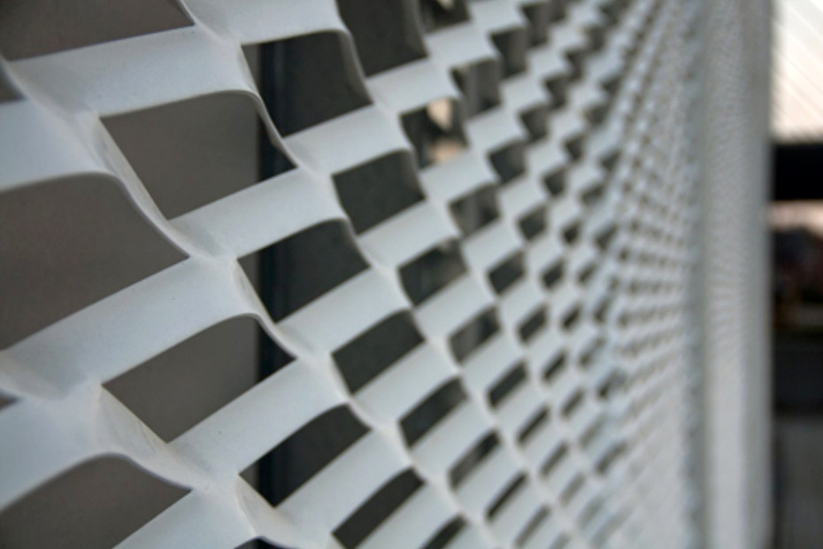 Expanded metal for functional sun screens, educational institution in Horsens