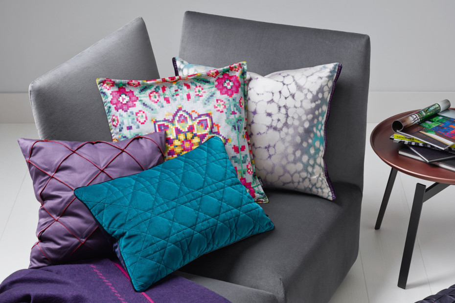 Cosmo Cushion pleats