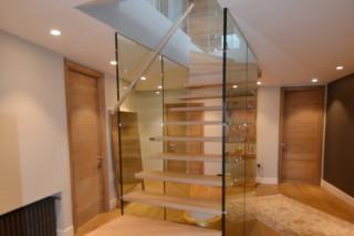 Treppe mit Glaswand  von  Siller