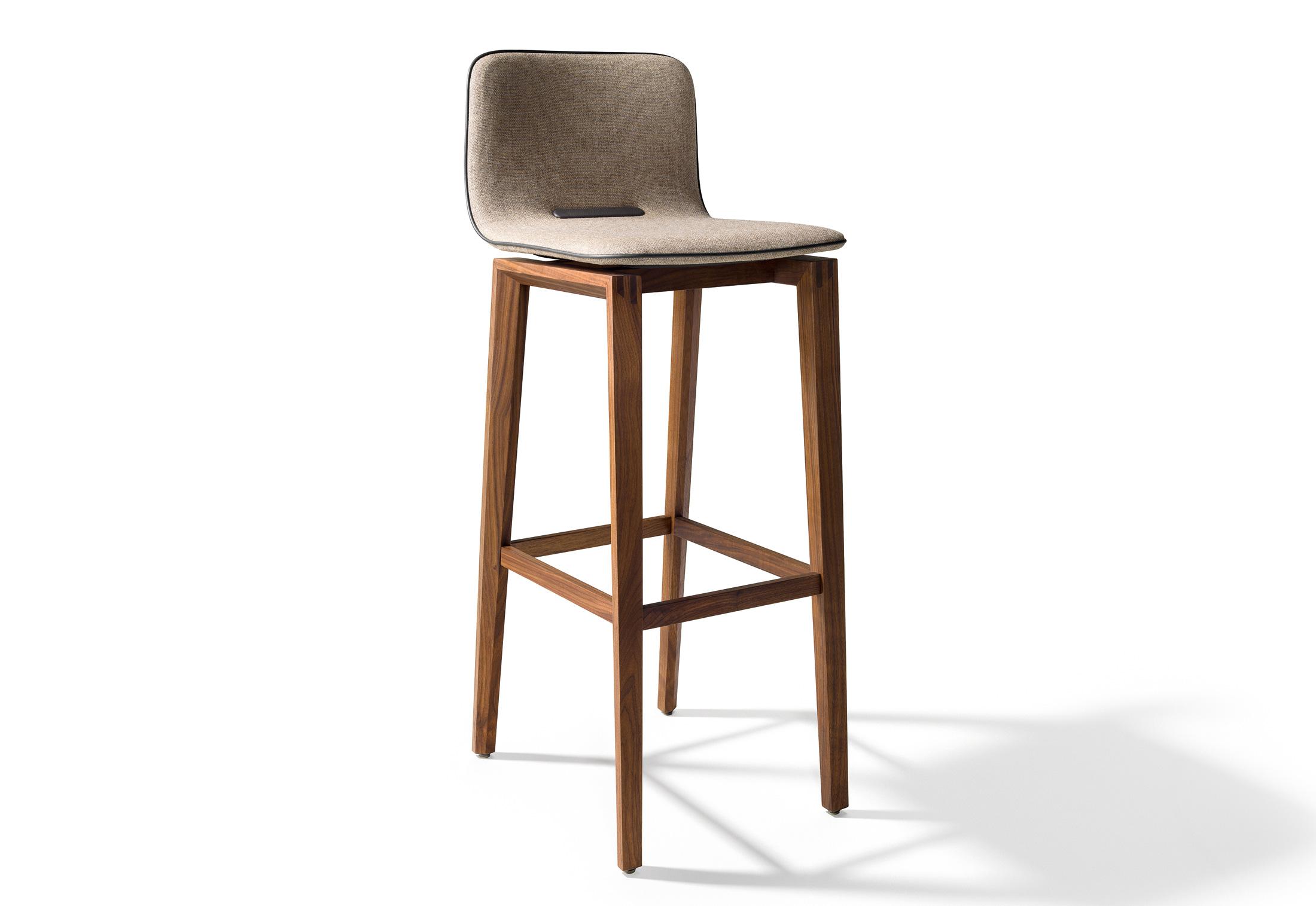 ark barhocker mit hoher r ckenlehne von team 7 stylepark. Black Bedroom Furniture Sets. Home Design Ideas