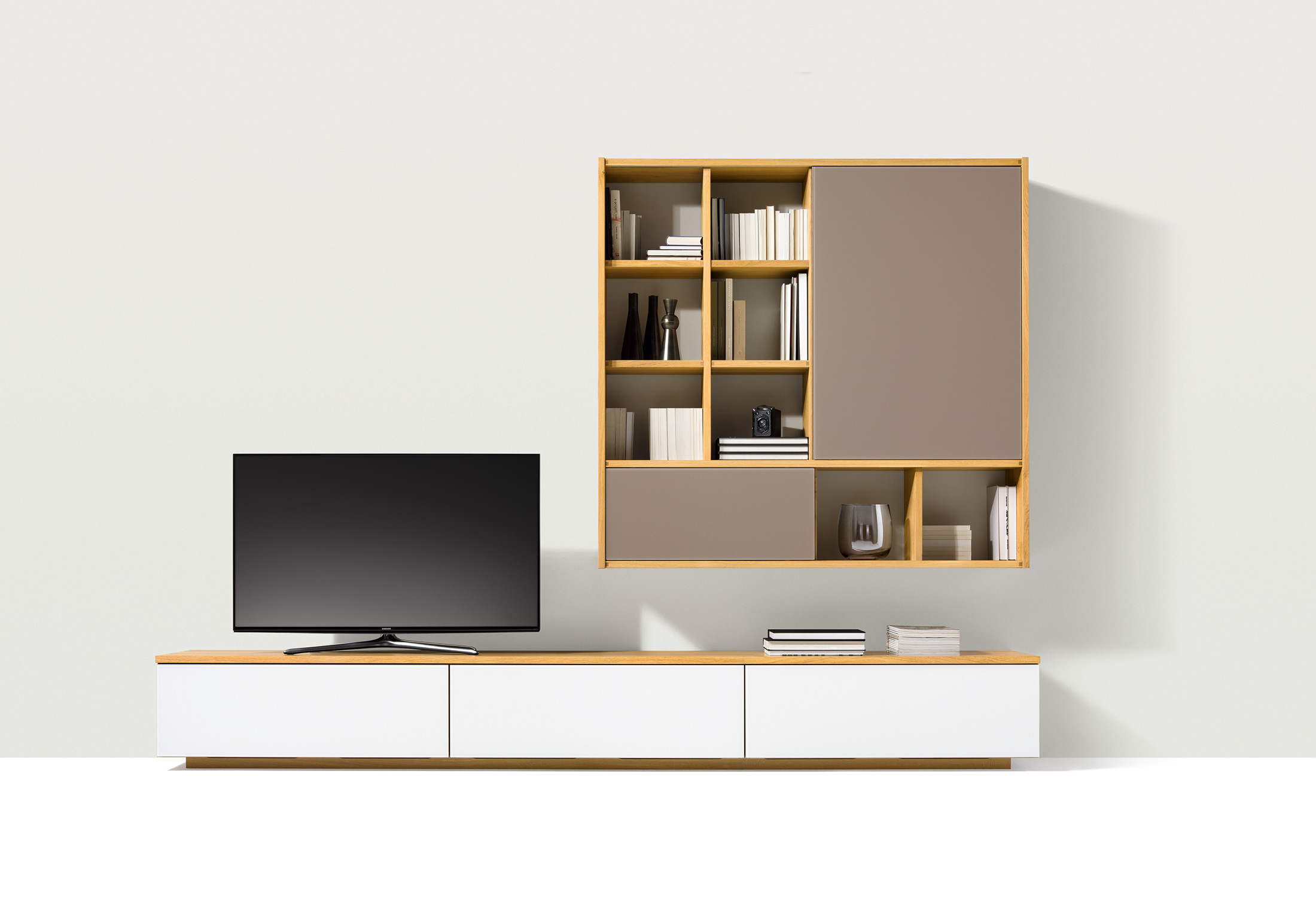 cubus pure wall unit by team 7 stylepark. Black Bedroom Furniture Sets. Home Design Ideas