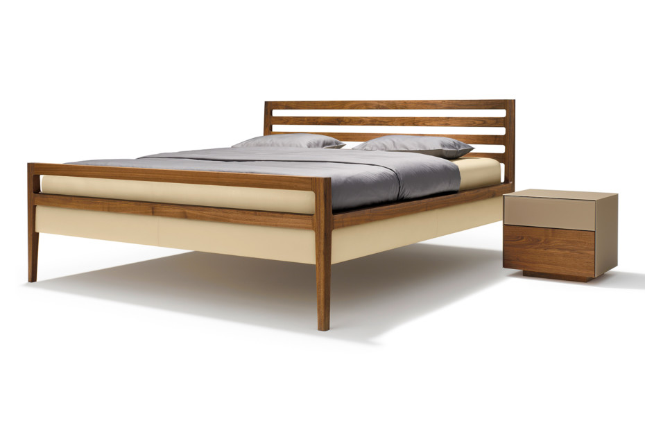 mylon bed