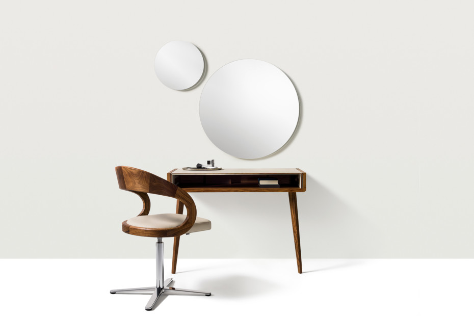sol dressing table