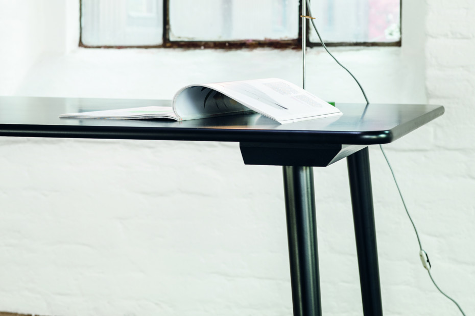 Ironica table
