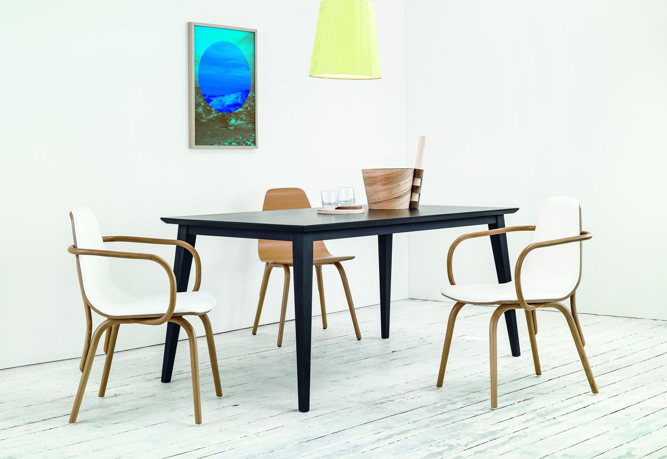 tram armlehnstuhl gepolstert von ton stylepark. Black Bedroom Furniture Sets. Home Design Ideas