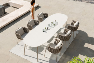 Tosca dining table  by  Tribù