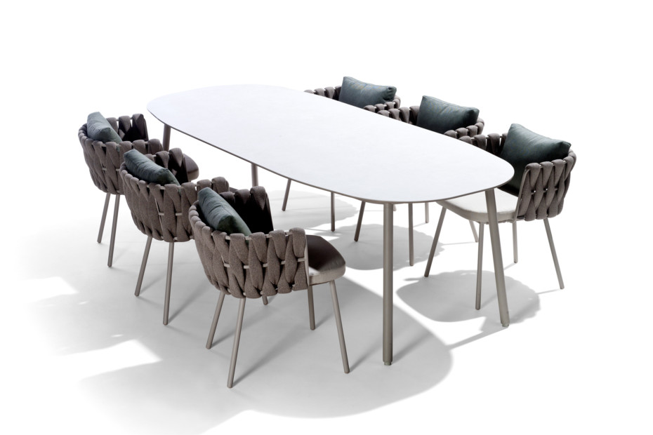 Tosca dining table