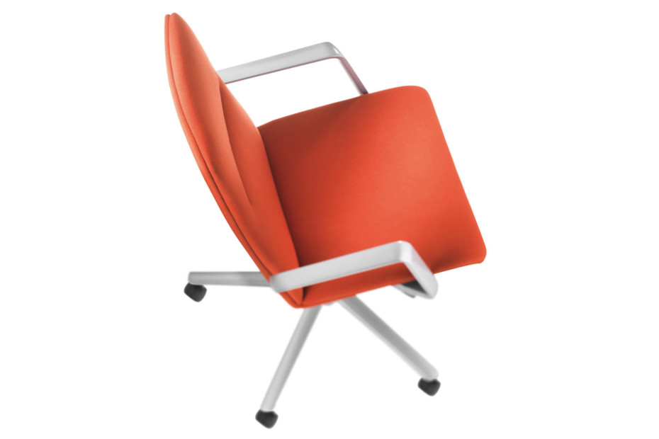 Sola Swivel Chair
