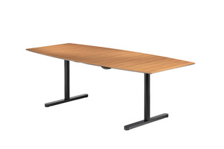 Travis 661 height adjustable  by  Wilkhahn