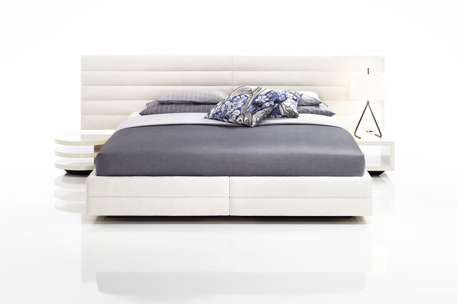 Adele bed