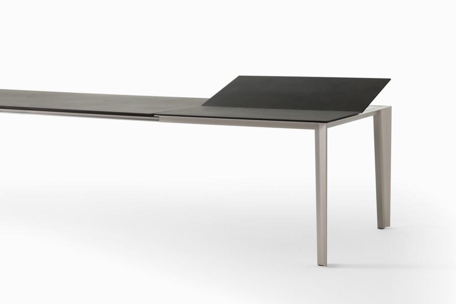 Skin ausziehbarer Tisch