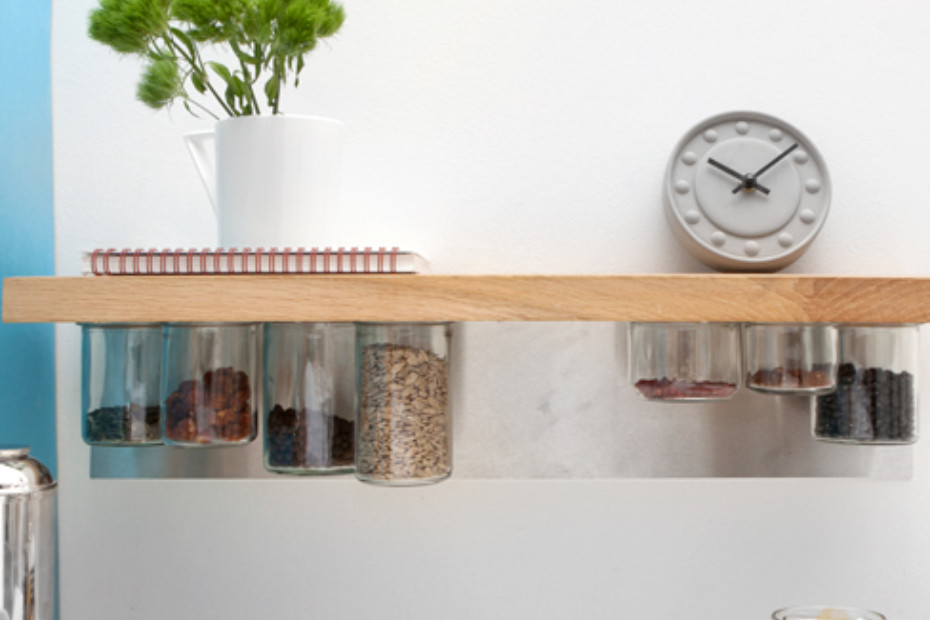 Pia kitchen shelf