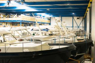 DuPont™ Corian® Küche Linssen Yachts  von  DuPont™ Corian®