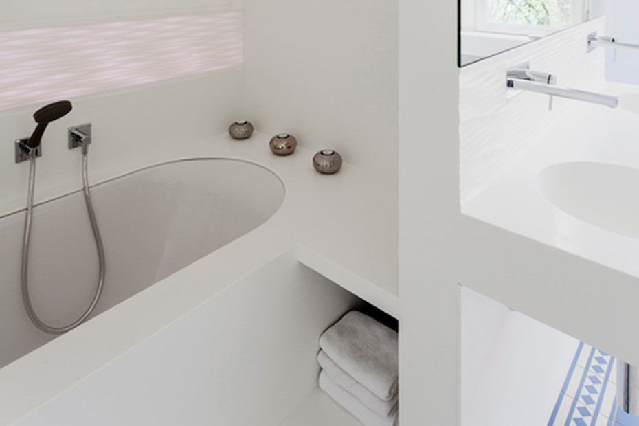 DuPont™ Corian® Pfeiffer Jugendstil-Bad