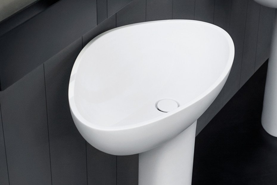 Drop freestanding washbasin