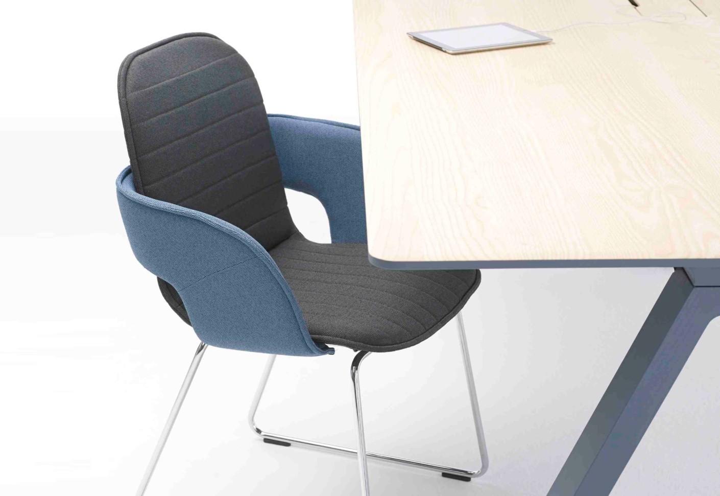 Flux Stuhl Mit Kufen Von Arco Stylepark