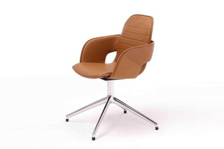 Flux chair with star base  by  Arco