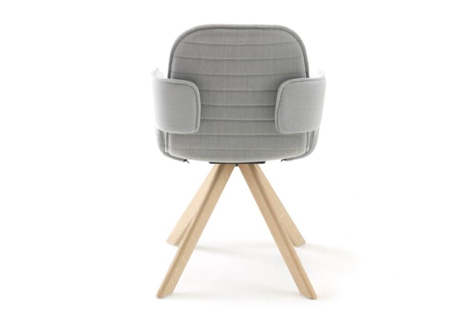 flux stuhl mit holzbeinen von arco stylepark. Black Bedroom Furniture Sets. Home Design Ideas