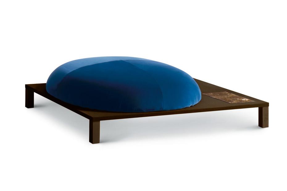 Bonsai Pouf mit Holzgestell