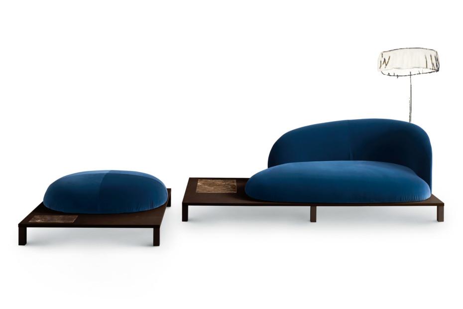 Bonsai sofa with wooden base