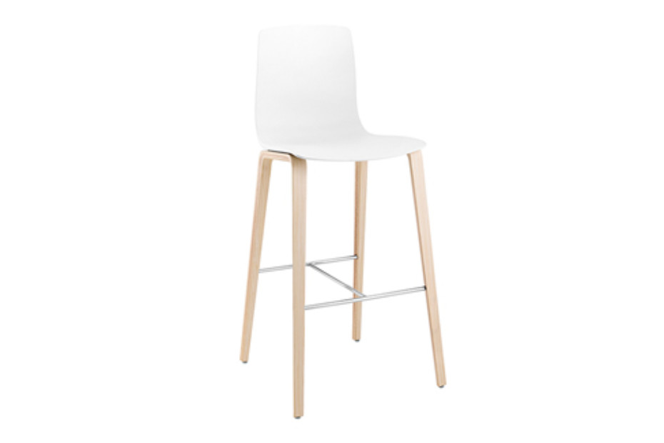 Aava Bar Stool 4 Wood Legs