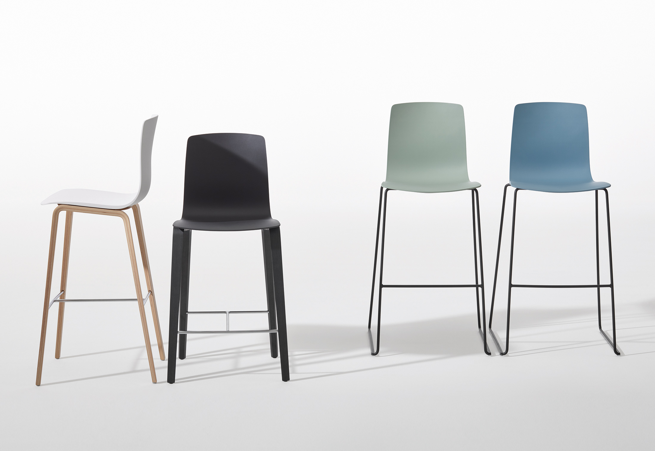 Aava - Counter Stool 4 Wood Legs by Arper | STYLEPARK