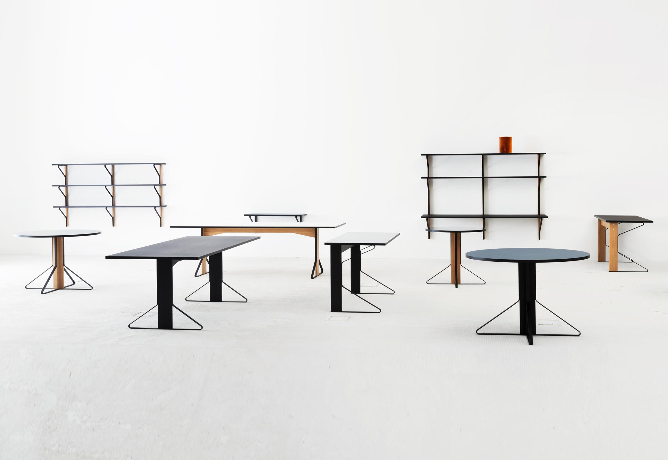 kaari regal mit tisch von artek stylepark. Black Bedroom Furniture Sets. Home Design Ideas