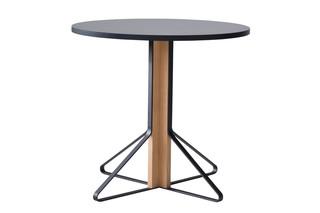 Kaari Tisch klein  von  Artek