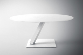 Element round table  by  Desalto