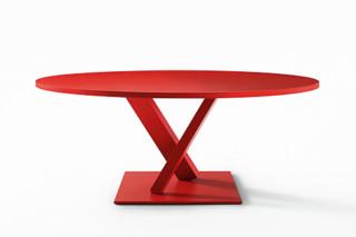 Element Tisch rund zweibein  von  Desalto