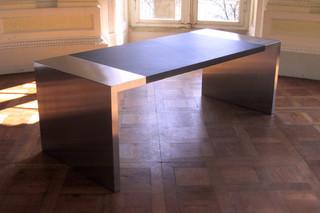 TARIS desk  by  DIMODIS